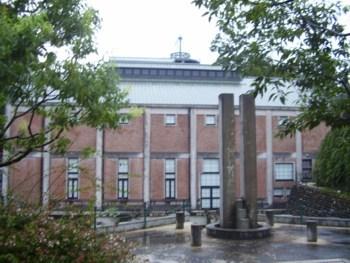 2009年8月13日(木)  発電所美術館 建物