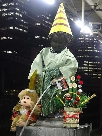 2016年1月 JR浜松町駅の小便小僧1