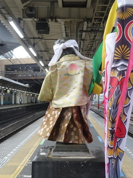 JR浜松町駅の小便小僧2