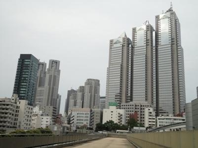 初台から新宿駅方向を眺める