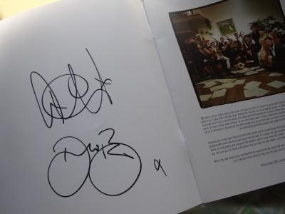 アーサー・ジェフスさんとDARREN BERRYさんのサイン