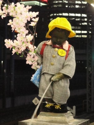 2010年4月1日 JR浜松町駅の小便小僧
