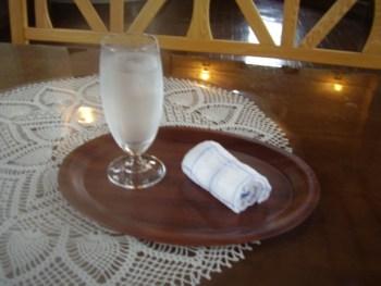 2009年8月13日(木)発電所美術館 喫茶室にて 1