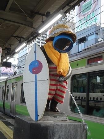 2015年8月JR浜松町駅の小便小僧