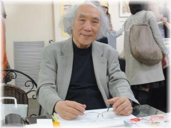 「高橋真琴個展 MACOTO77 星の天使達」会場内での高橋真琴氏