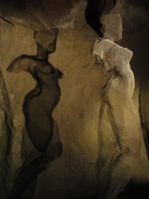 サンジャ・サソさんの「鬼合戦、あるいは裸の桃の勝利」2